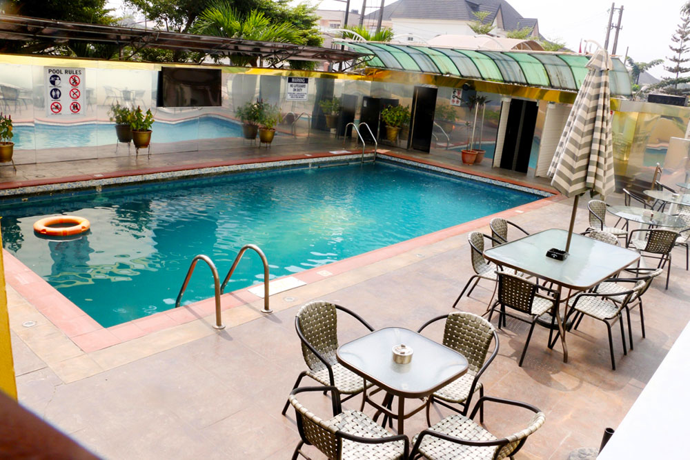 Hotel Facility - Swimming Pool and Lounge